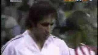 Raúls Dribbing gegen Atletico Madrid