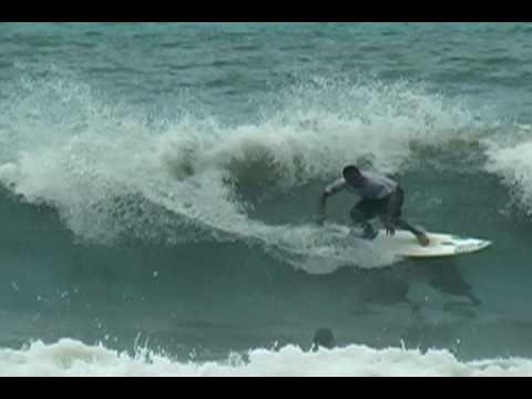 Free surf do bi campeão brasileiro Jojó de Olivença em Tijucopava - reedição-