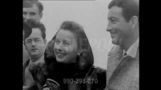 Video Barbara Stanwyck and Robert Taylor interview in England (1947) MP3, 3GP, MP4, WEBM, AVI, FLV Agustus 2018