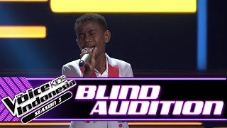 Video Hendrik - Mama Papa Larang | Blind Auditions | The Voice Kids Indonesia Season 3 GTV 2018 MP3, 3GP, MP4, WEBM, AVI, FLV Januari 2019