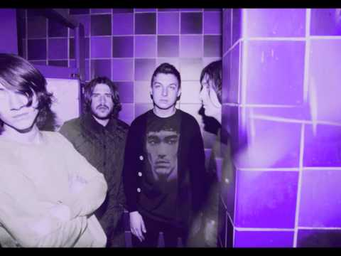 Arctic Monkeys - Fright lined dining room lyrics