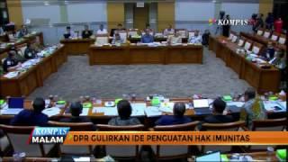 Wacana penguatan hak imunitas anggota DPR kembali dimunculkan dalam pembahasan revisi undang-undang setelah KPK mencegah ketua DPR Setya Novanto untuk bepergian ke luar negeri. Lalu penting dan perlukah hak imunitas ini diberlakukan?