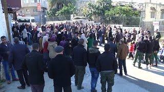 الاعتصام الاسبوعي لاهالي الاسرى امام مقر الصليب الاحمر