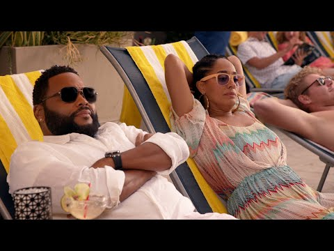 Dre & Bow Are In Vacation Mode - black-ish