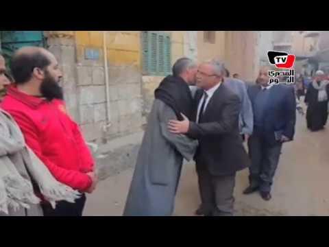محافظ المنيا يقدم واجب العزاء لأسرة شهيد سيناء