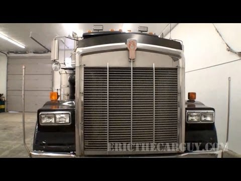 Walkaround - 1986 Kenworth (Heavy Hauler) Walk Around - EricTheCarGuy http://www.ericthecarguy.com/ Well after all the response I've gotten on this truck I've decided to ...