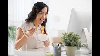 Dampak Buruk Sering Makan Mi Instan bagi WanitaSumber:Aditya Eka PrawiraLiputan6.comdr Resthie Rachmanta Putri M.Epid Klik Dokter Journal of Nutrition  Life Hack