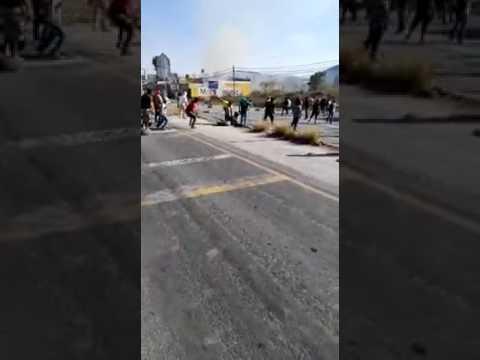 Enfrentamiento entre pobladores de Ixmiquilpan y Seguridad P?blica
