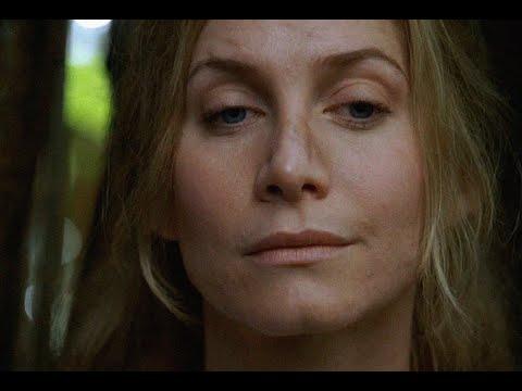Juliet Burke - 65 - Juliet and Kate start walking through the jungle again - LOST