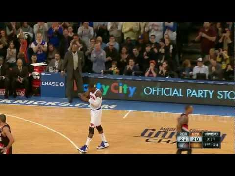 stoudemire - Watch Amar'e Stoudemire's season debut after returning from knee surgery. Visit nba.com/videos for more highlights.