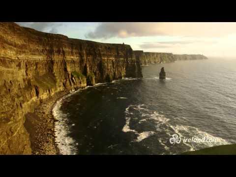 Atlantic - Wild, rauh, ungezähmt - 2500km: Der Wild Atlantic Way ist eine der längsten Küstenstraßen der Welt. Lassen Sie sich von der Schönheit der Landschaften und ih...