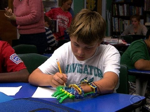 Loving father built a prosthetic hand for his son with a 3D