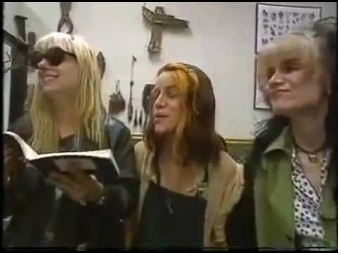 L7 - Interview (1993)