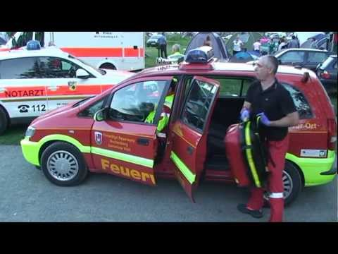Herzhausen: Camper von Auto überrollt - Helikopter