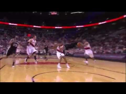 Elliot Williams throws it down on the Spurs