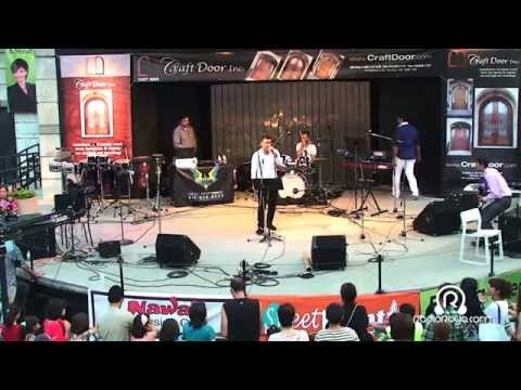 Live performance in Persian family day2013
