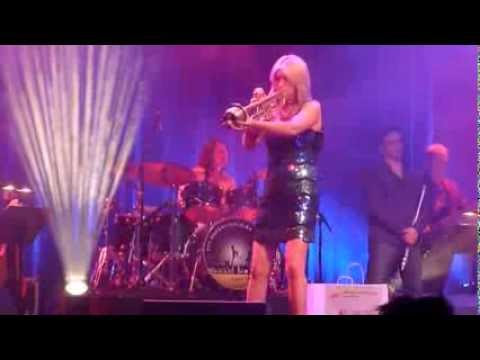 Cindy Bradley & Dan Cipriano smooth in Augsburg (14.09.2013)