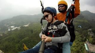 Puncak Indonesia  City new picture : Paralayang Indonesia-Niken Ayu tandem Puncak Bogor 2011.MP4