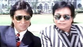 Kadar Khan, Shakti Kapoor, Baap Numbri Beta Dus Numbri Song (From Khiladi)
