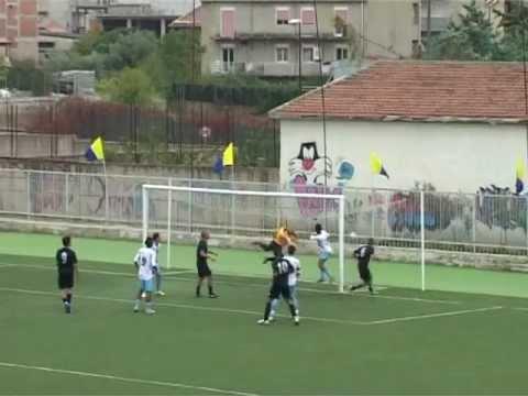 Calcio. Vittoria della Pro Favara contro l'Aragona per 2 a 0