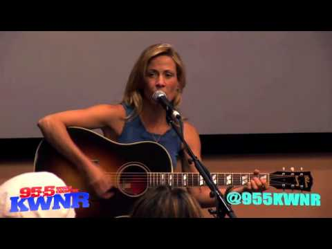 Sheryl Crow – 95.5 KWNR Solo Acoustic Performance (23 April 2013)