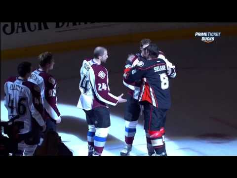 Teemu Selanne named all three stars in last game, takes final lap with Giguere