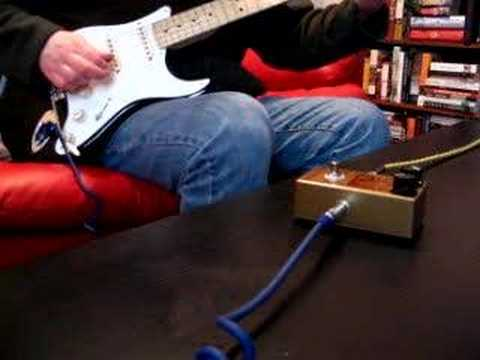 Fuzzbot71 - Guitar pedal demo.
