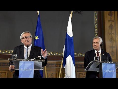 Γιούνκερ: «Όχι και τόσο διαφανής» η εκλογή της φον ντερ Λάιεν…
