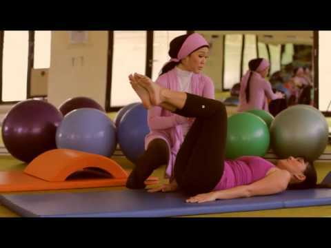 VIDEO: Gerakan Pilates andalan Becky Tumewu