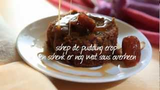 Sticky toffee pudding met warme toffeesaus