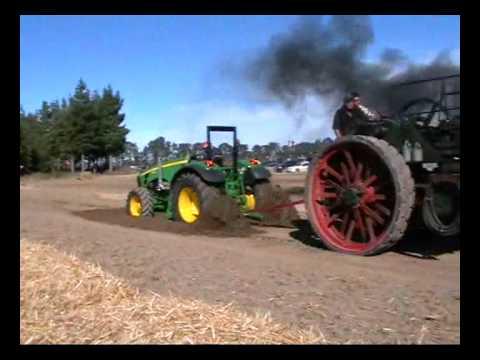 John Deere VS Prvi traktor iz leta 1800