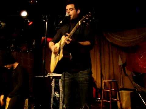 Breaking My Heart – Kevin Hammond (Live)