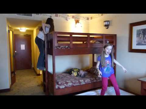 What is in a Grand Californian Room at Disneyland?  Hotel Room Tour