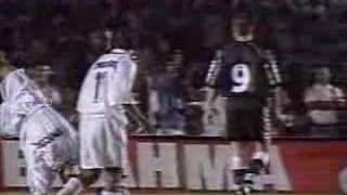 Final do Torneio Rio-São Paulo de 1999, entre Club de Regatas Vasco da Gama e Santos Futebol Clube, onde o time carioca de...