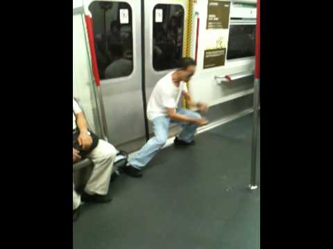 一代宗師在捷運上表演功夫!雞會難得快來看!