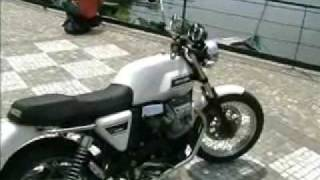 9. 2008 Moto Guzzi V7 Classic in Mandello