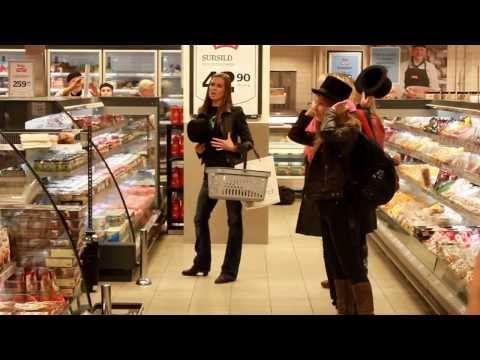 Video Flashmob sang - Den store Norske Humorfestivalen 2013 download in MP3, 3GP, MP4, WEBM, AVI, FLV January 2017