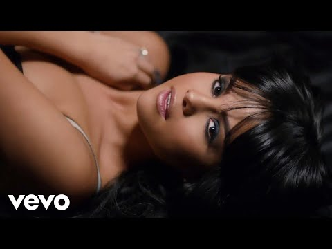 Selena Gomez - Hands To Myself (видео)