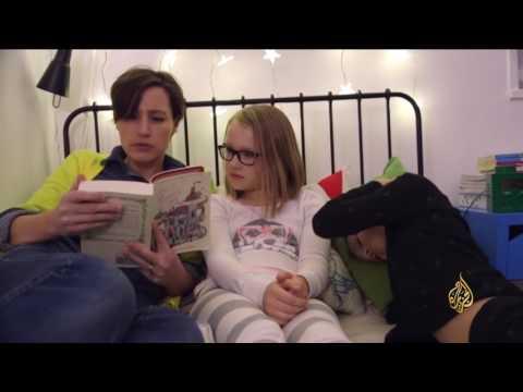 العرب اليوم - شاهد: قصص ما قبل النوم تنمي مهارات الأطفال