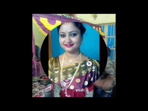"Young Happy Housewife Indian Short Films ""Sreeparna'r Sonar Sansar ""