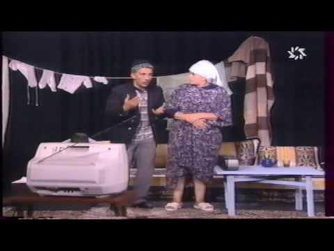mawakif - Khadija Assad et Azz Saadallah dans la série télévisée présenter par leur troupe Théâtrale '( Théâtre 80 ) sketch Lawlad Fi Stah - Production 2000.