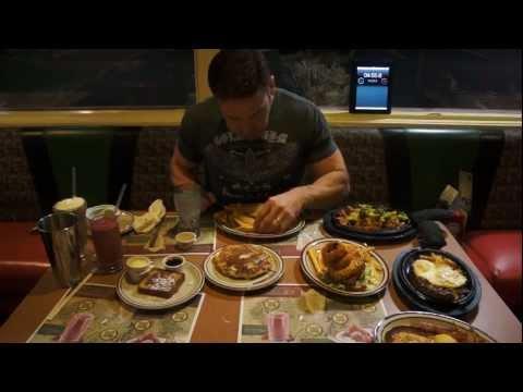 Dude eats his way through the ENTIRE 'Hobbit' menu at Denny's .. in 20 minutes!