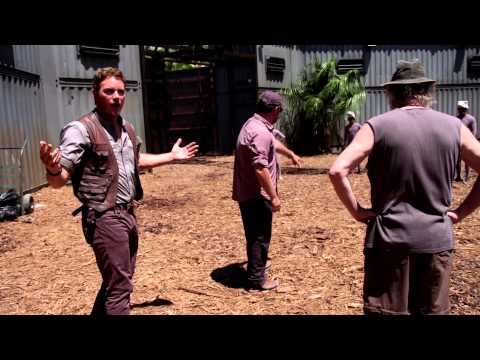 Jurassic World (Featurette 'Whistling')