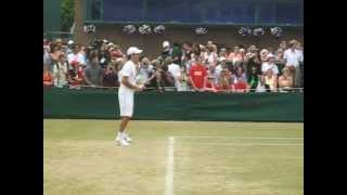 Roger Federer warms up for the 2009 Wimbledon Gentlemen's Singles final and hits with Danny Cox. SUBSCRIBE to The...