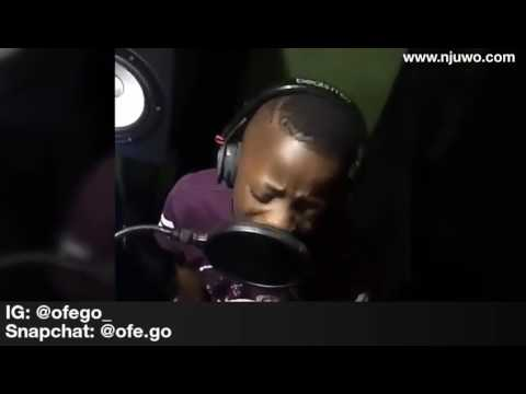 Video Little Boy In The Studio Remixing Davido's Music Fall To A Fuji Song download in MP3, 3GP, MP4, WEBM, AVI, FLV January 2017
