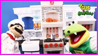 PRETEND PLAY FOOD TOYS Cooking Kitchen! Learns Manners funny kids video