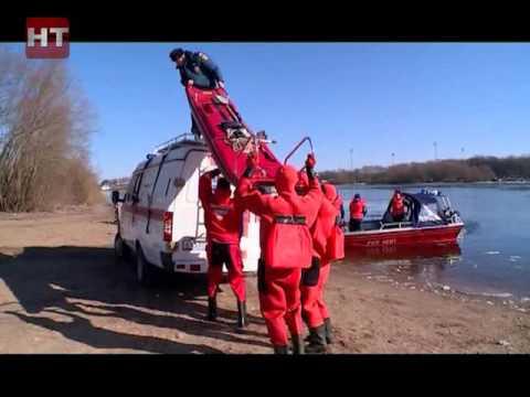 Спасательные подразделения регионального управления МЧС провели сегодня учения в акватории реки Волхов