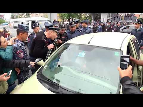 Կին վարորդը փակել էր արշակունյաց պողոտայի մի հատվածը - DomaVideo.Ru
