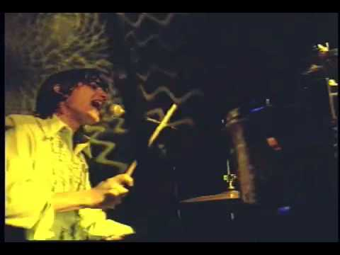 El Martillo - Caramelos de Cianuro (Video)