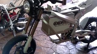 8. Moto eléctrica ZERO 2010 S. Cómo desmontar sus componentes. Electric ZERO 2010 S. How to remove